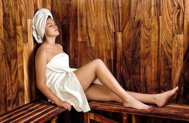 dopřát si saunu