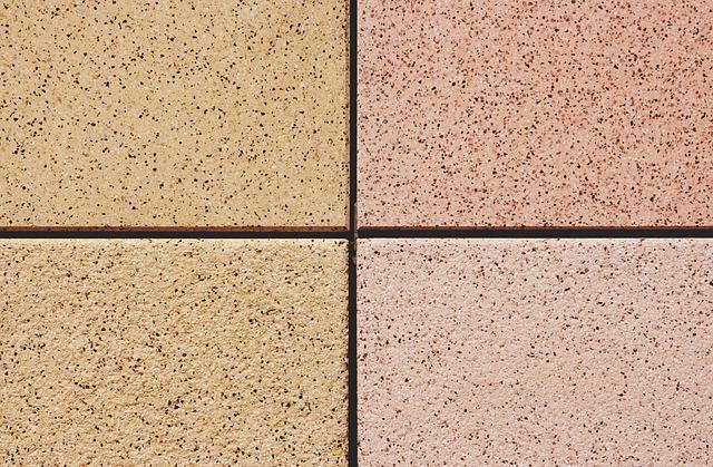 čtyři betonové dlaždice
